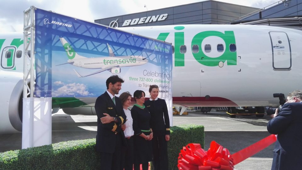 Boeing 737: From the Factory to the Delivery