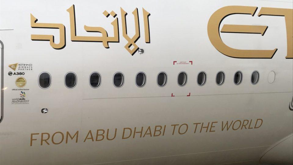 Etihad pose son premier A380 à Paris CDG